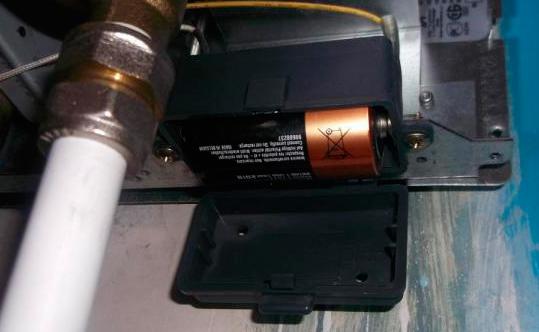 замена батареек в газовой колонке
